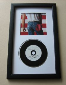 BRUCE SPRINGSTEEN - Born In The USA CD DISC presentation